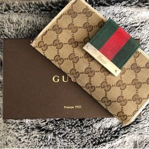 Auth. Gucci Wallet (Final price!)